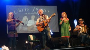 Chris Jagger feat I-Sha-Vii on the stage in blaszki